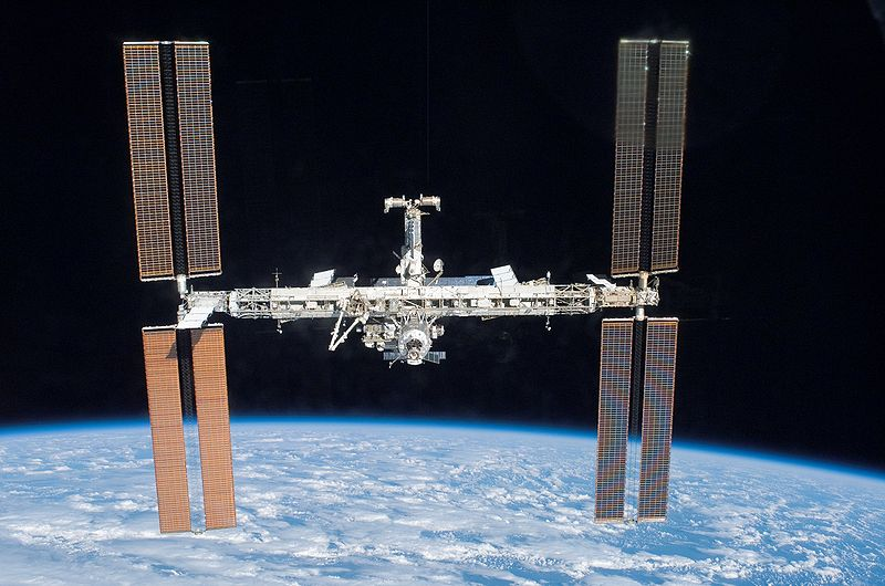 The International Space Station with the P3/P4 Truss Segment. Image credit Wikimedia