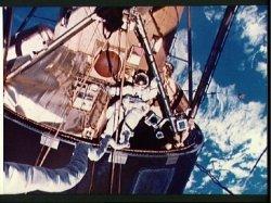 Skylab4EVA