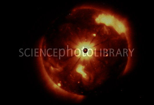 An X-ray image of the sun taken on Skylab, showing a solar flare. Image credit Science Photo Library