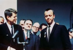 Alan Shepard with Kennedy. Image credit Guidy News