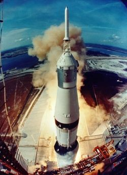 Apollo-11-lift-off