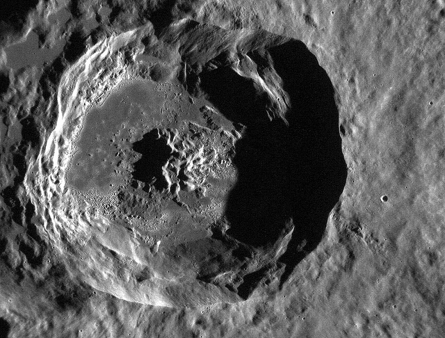 A view of Caloris Basin taken by MESSENGER. Image credit Flickr