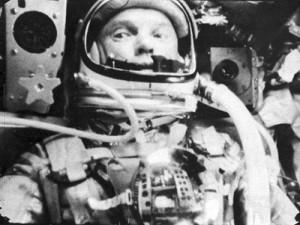 Astronaut-Glenn-friendship-7