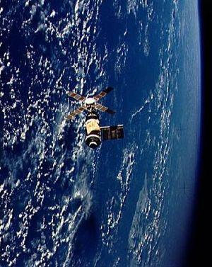 Skylab from departing Skylab 2 crew. Image credit Astronautix