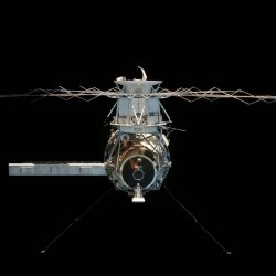 Skylab as seen by the departing Skylab 4 crew.