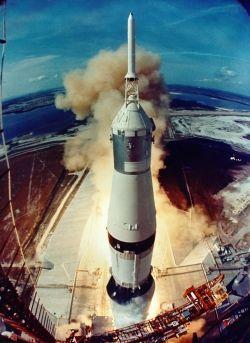 Apollo-11-lift-off